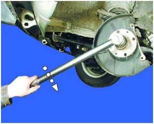 Замена передних ступичных подшипников (автомобиль ВАЗ 2101, 21011, 2102, 2103, 2104, 2105, 2106, 2107)