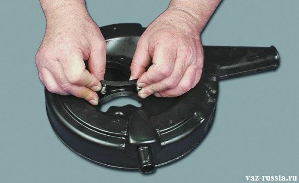 Как очистить вентиляцию картера на ВАЗ 2101-2107 (чистка сапуна)